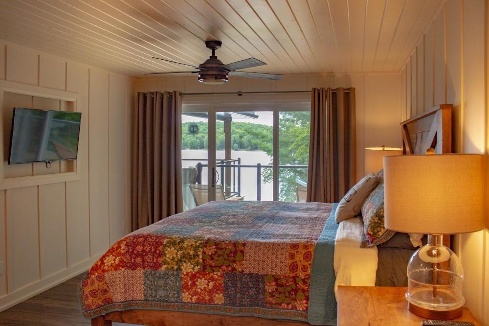 Master Bedroom 2 (King)
