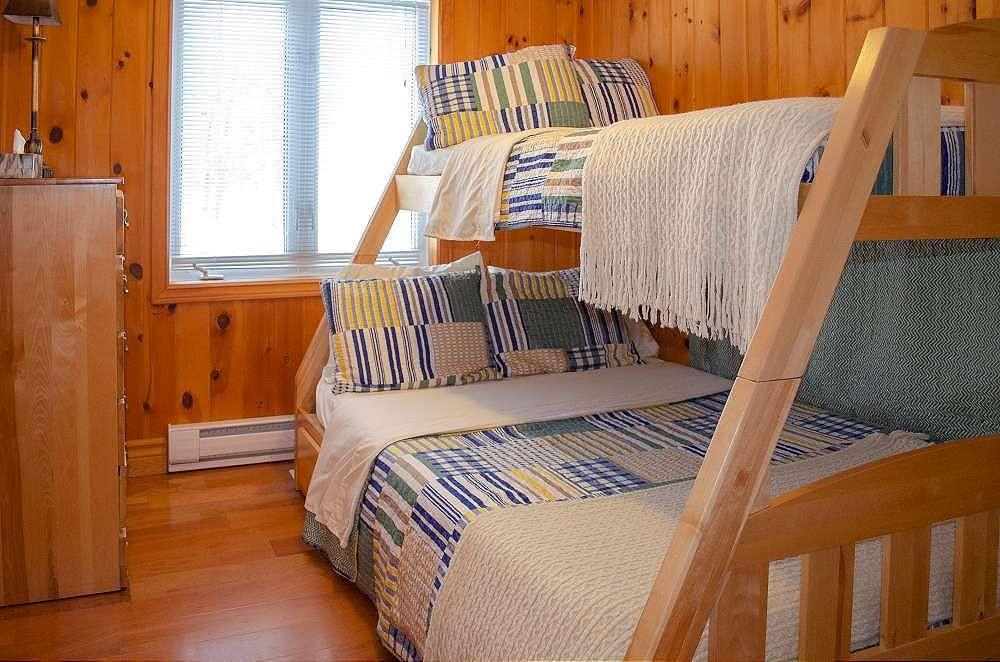 Bedroom 3 - Double bottom & twin top bunks