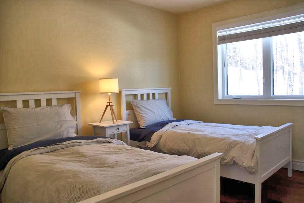 Bedroom (2 x Twins)