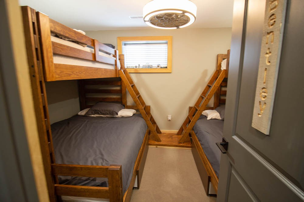 Bedroom (2 Double with Single Bunk Over)