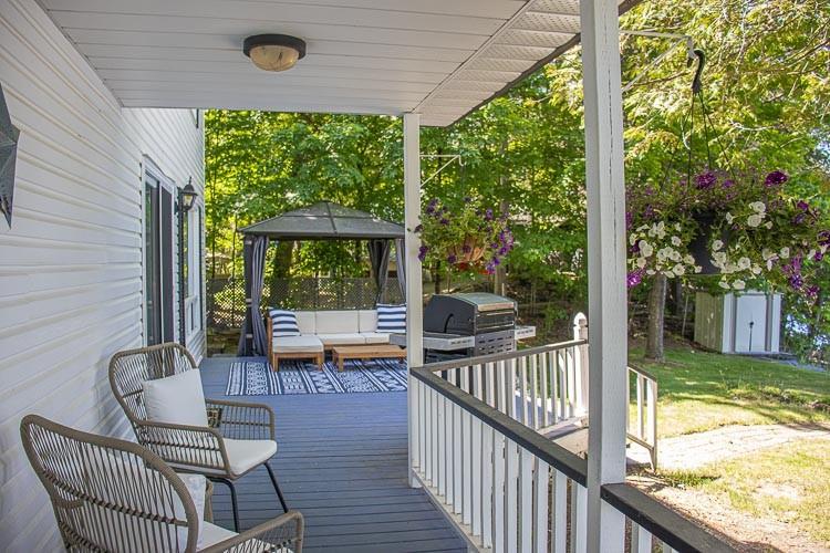 Lakeside Porch, Deck with BBQ & Gazebo