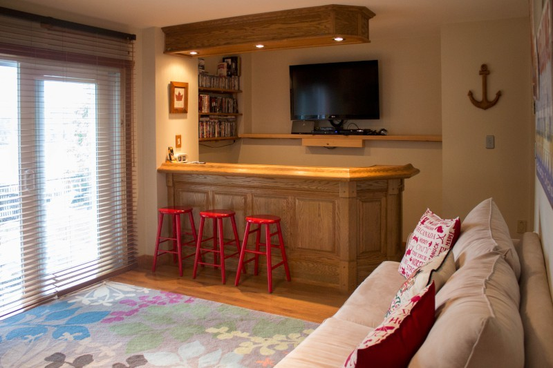 Family Room and Bar