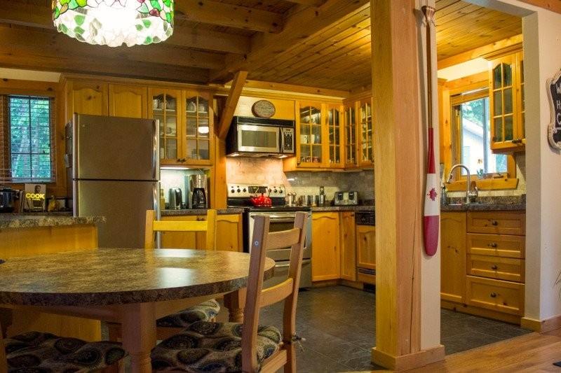 Kitchen/Breakfast Counter