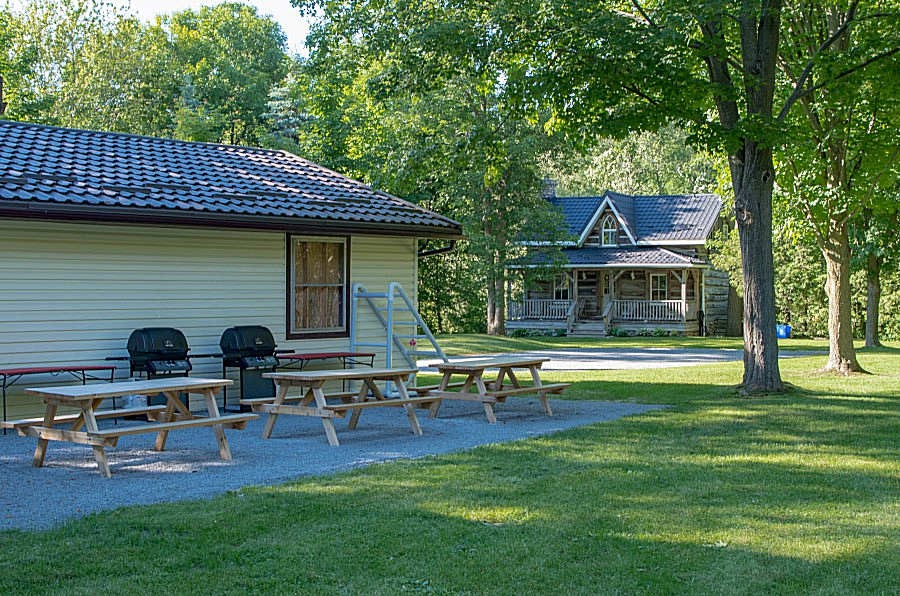 Wonderful Private Picnic Area for Both Properties
