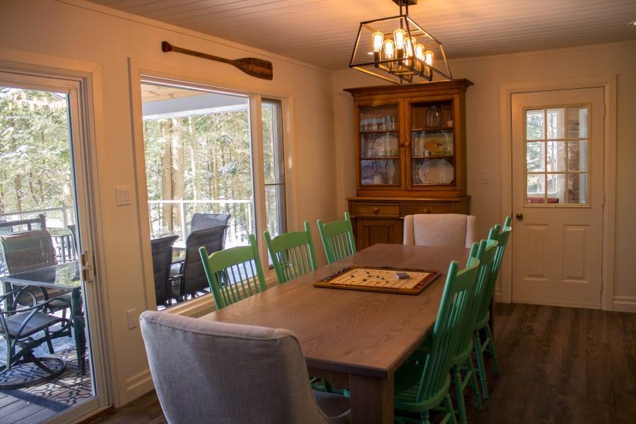 Dining Area & Sunroom