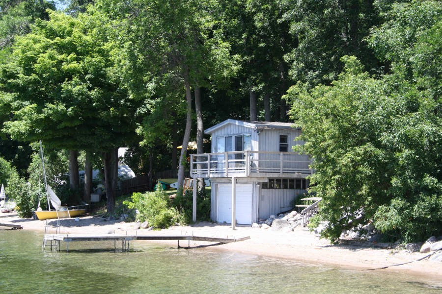 Boathouse Bunkie and Dock