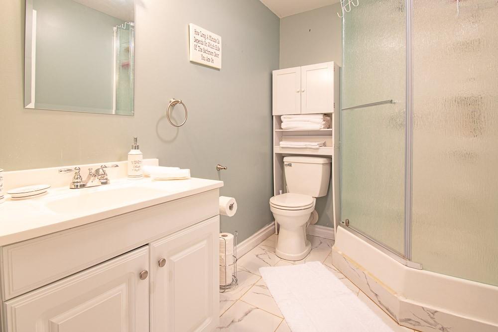 Bathroom (3-piece)