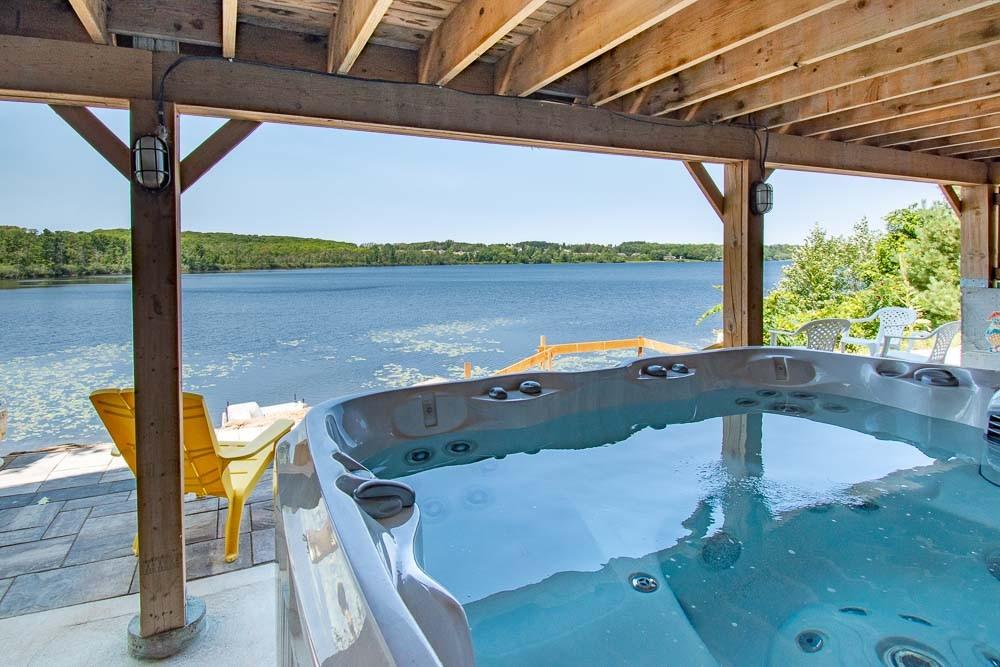 Hot Tub Overlooking Little Lake