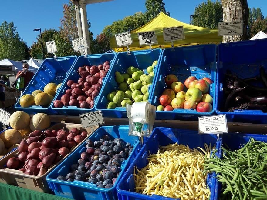 Ontario farmers market produce