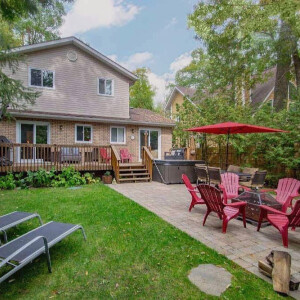 New Listing Alert! Check out Ivy Lane in Tiny, ON just down the road from Georgian Bay!