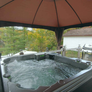 Join the Hot Tub Club & Book Birchmount for your winter getaway!